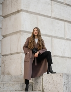 CHUNKY BOOTS & TRENCH